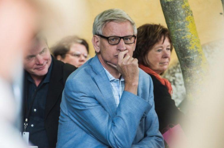 Lojal utrikesminister sokes